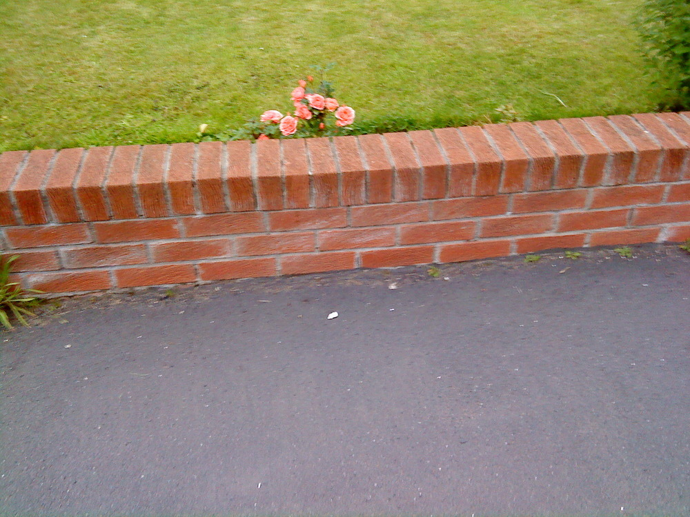 Brick garden wall Bricklaying job in Glasgow Lanarkshire