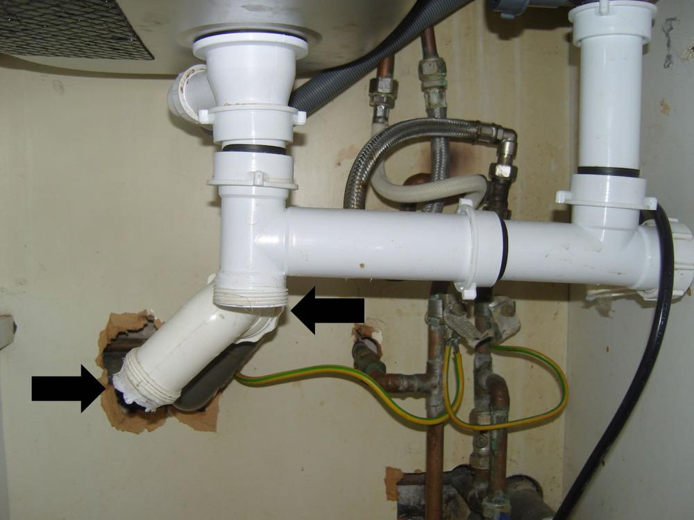 Under Sink Plumbing Easy But Urgent Job Plumbing Job