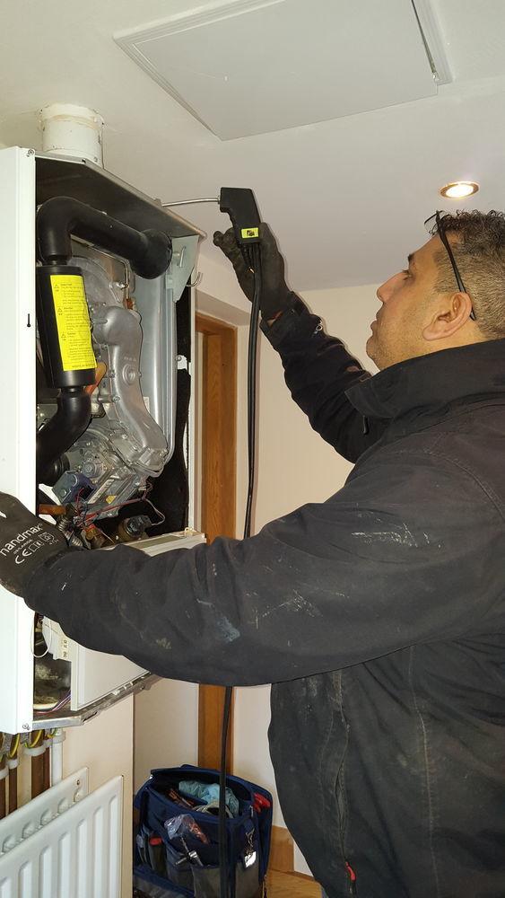 Heating Engineer in Stoke on Trent   Local Heroes