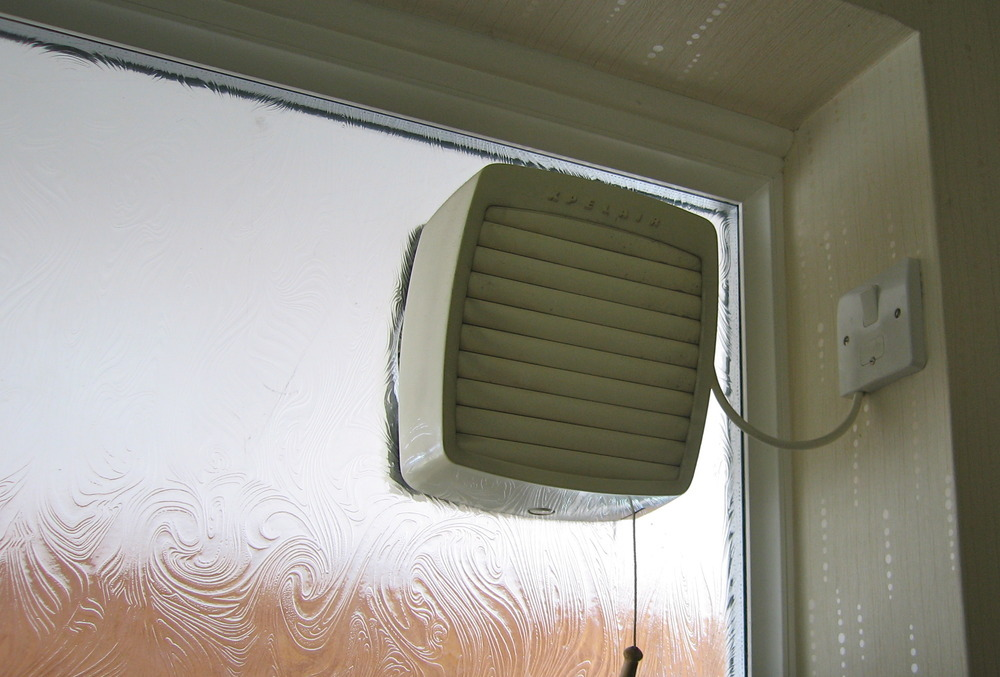 Bathroom Extractor Window Fan : Fit extractor fan into bathroom window