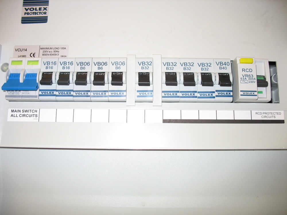 moving fuse box and replacing trip switches electrical job in rh mybuilder com fuse box switch won't flip fuse box switch with two fuses for a dryer