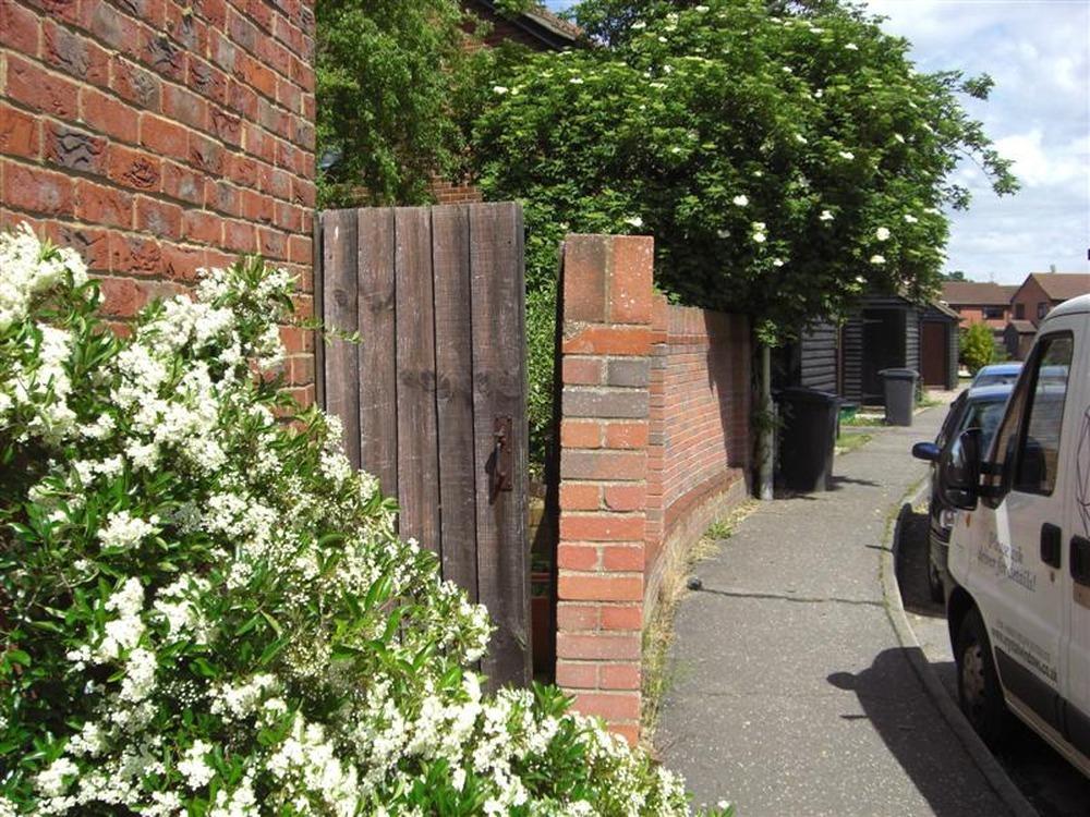 31 superb landscape gardening jobs essex for Garden design jobs essex