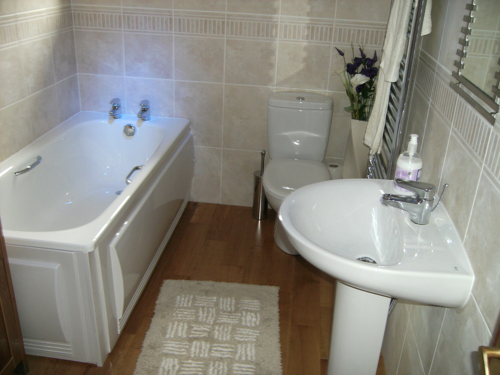 Keyhole developements east mids ltd 100 feedback for Bathroom builders leicester