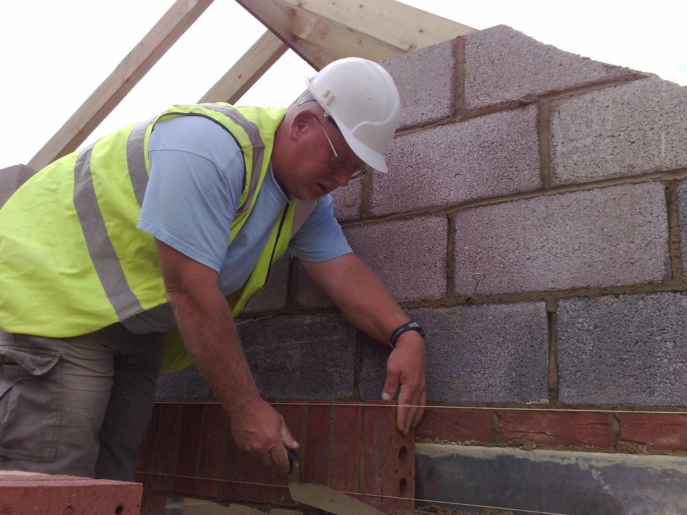 P S Mchugh Bricklaying & Building Contractors: Bricklayer In Swindon