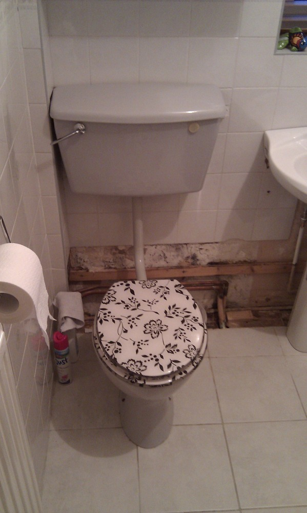 Fit Close Coupled Wc Remove Old Wc And Iron Soil Pipe