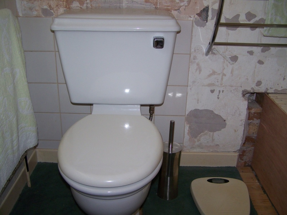 Move Toilet Sideways Cast Iron Soil Pipe Plumbing Job