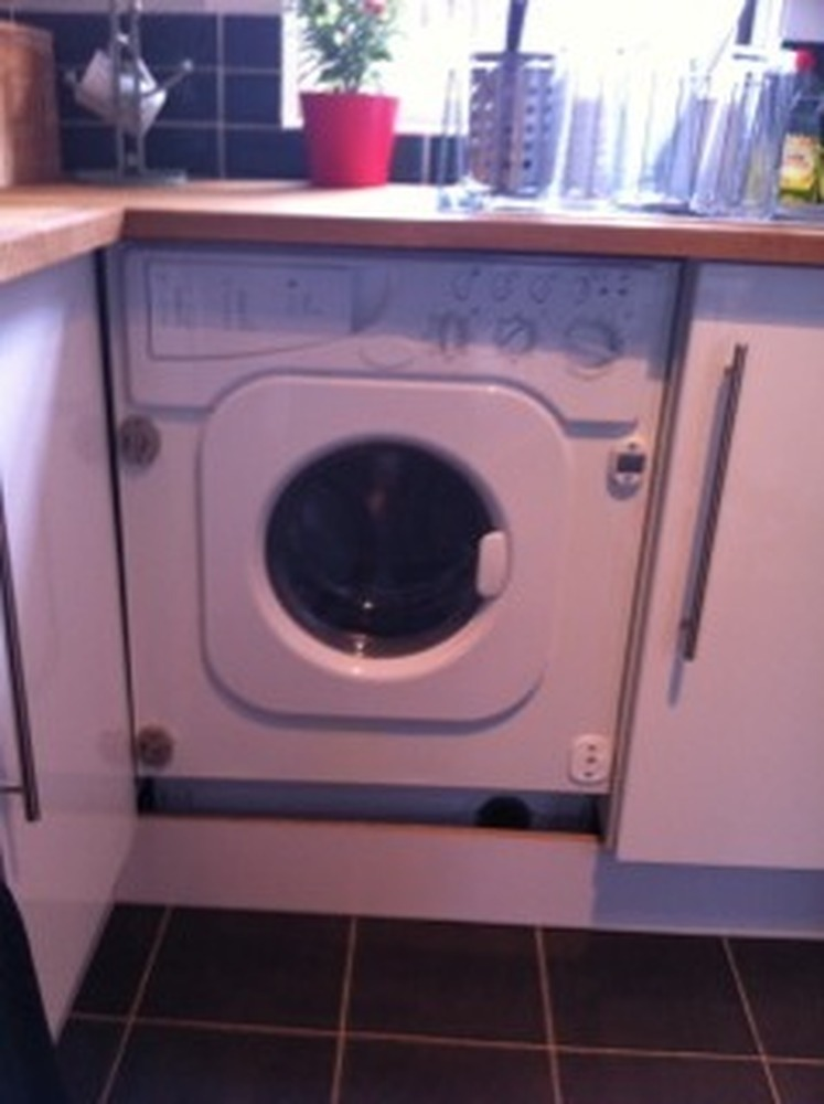 Attach Facia Door To An Integrated Washing Machine