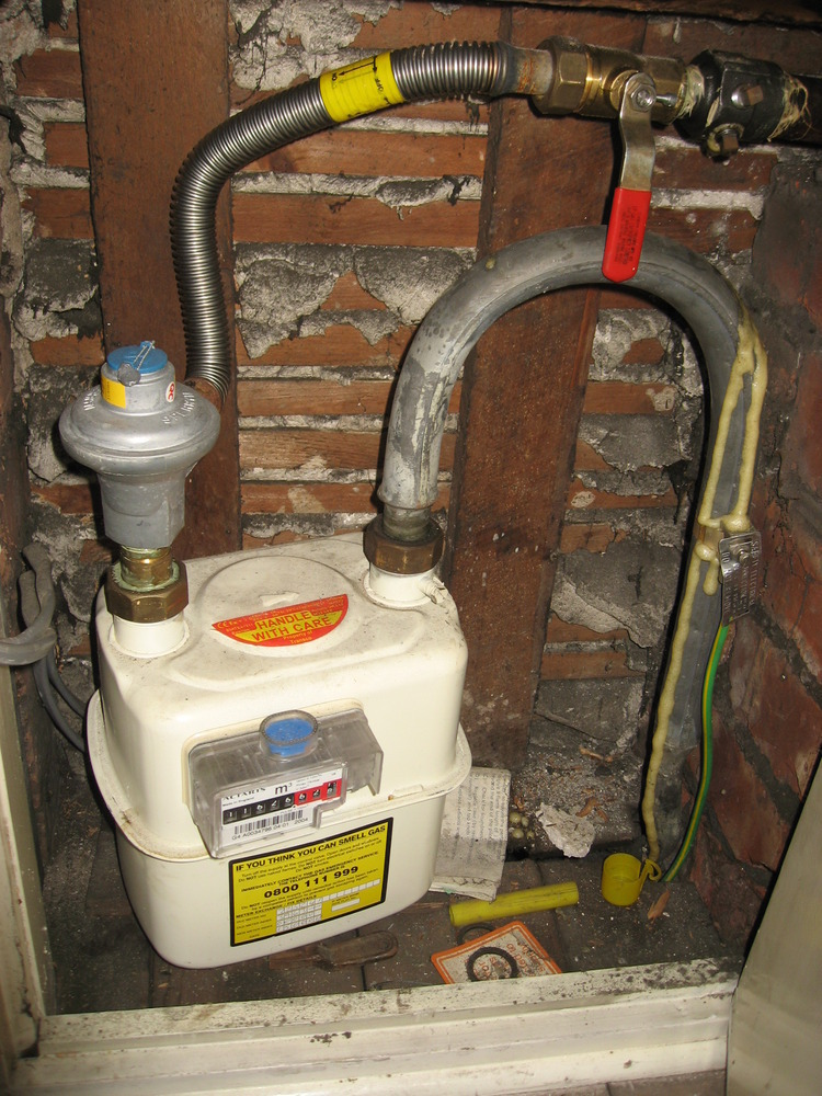 Remove Lead Gaspipe Cap Back To Gas Meter Pipe Gas Work