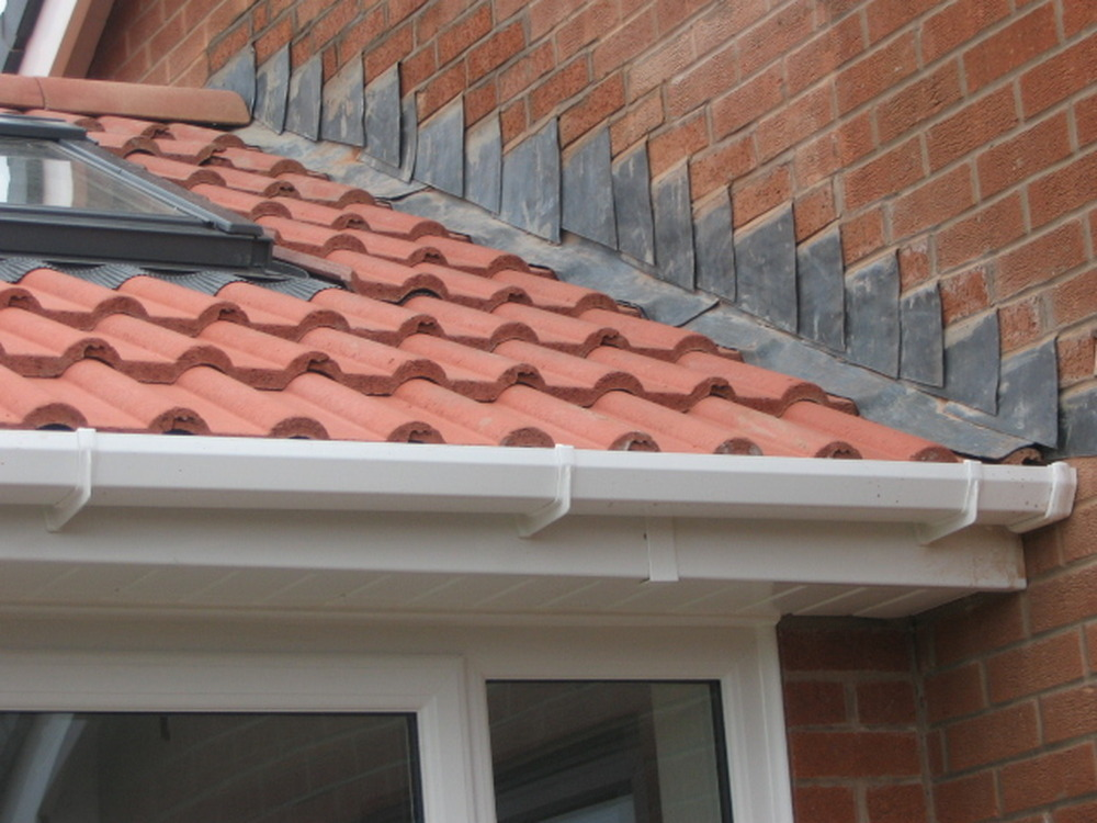 Lead Flashing Ridge Tiling 4m X 5m Single Story Roofing