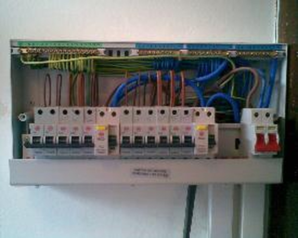 17th Edition Consumer Unit Wiring Diagram Ppe 100 Feedback Electrician In Manchester Photo Gallery