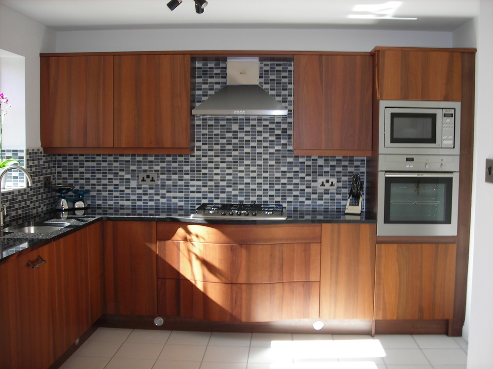 Lifstyle kbb ltd kitchen fitter in newcastle upon tyne for Kitchen design jobs newcastle