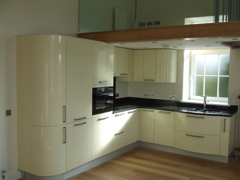Kent kitchen design 100 feedback kitchen fitter in swanley for Kitchen design kent