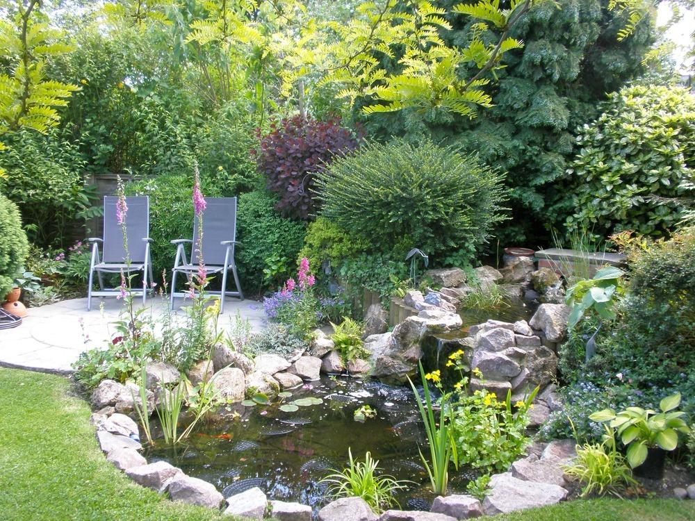 Barrow landscapes landscape gardener driveway paver for Wildlife pond design uk