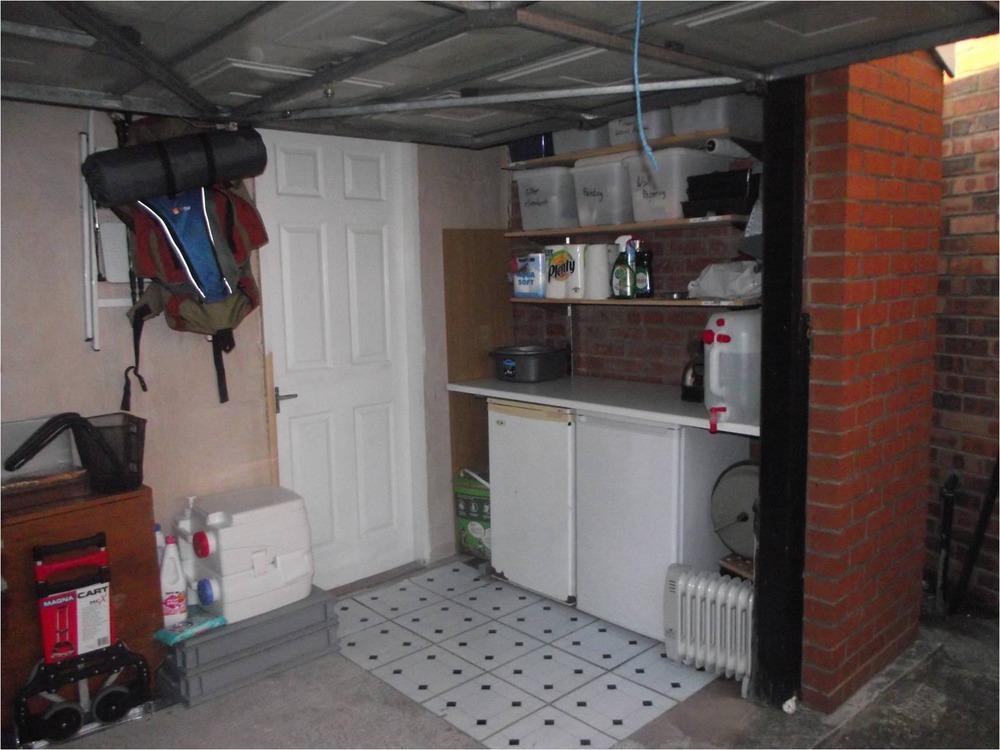 Partial Garage Conversion Ensuite Amp Kitchenette