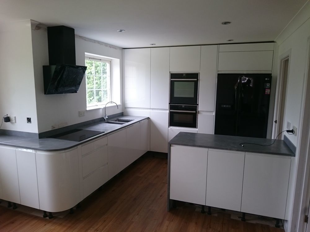 Altered Space Design Build 100 Feedback Kitchen Fitter In Teignmouth