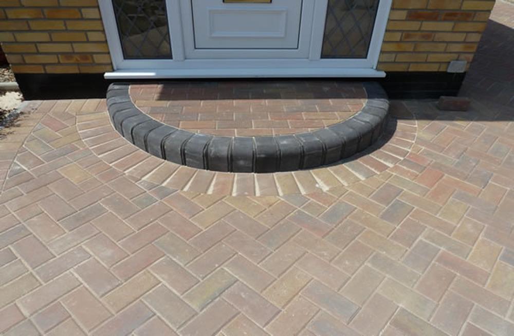 Req Half Circle Front Door Step Bricklaying Job In