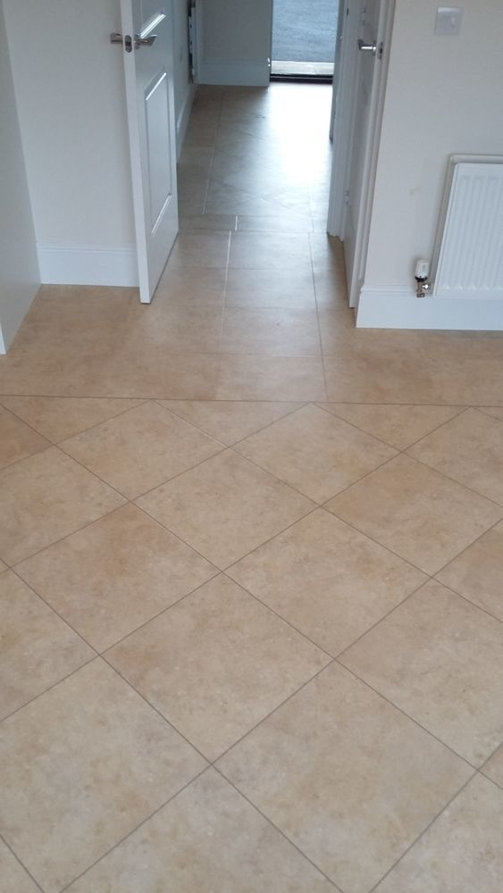 Vivid Flooring 100 Feedback Flooring Fitter Carpet Amp Lino Fitter In Plymouth