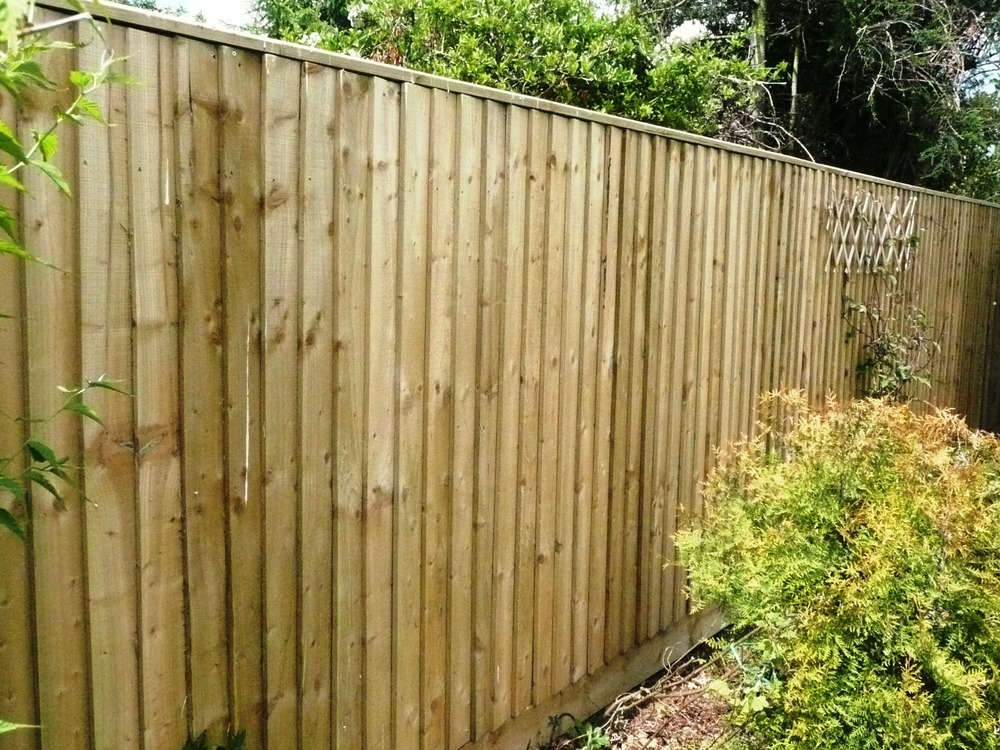 Erect Close Boarded Fence 12 Metres X 6ft High Fencing