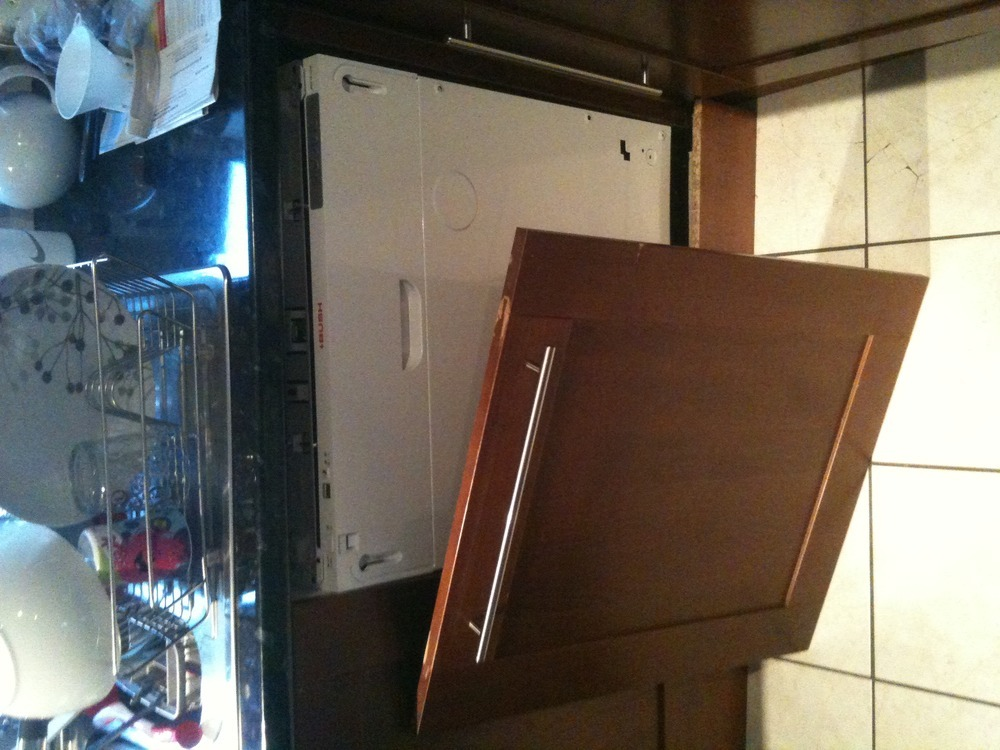 Photographs & Fix door onto integrated dishwasher - Kitchen Fitting job in ... pezcame.com