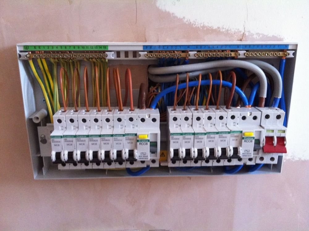 S Amp F Electrical 95 Feedback Electrician In Bristol
