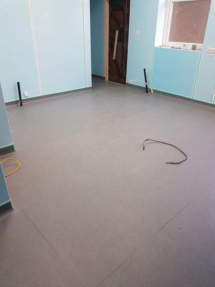 Michael Floorlayer Feedback Flooring Fitter Warrington