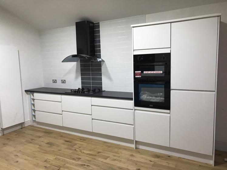 kitchen fitter carpenter joiner flooring fitter in nottingham