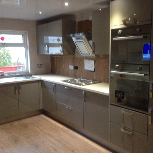 Streets Ahead Kitchens: 100% Feedback, Kitchen Fitter In