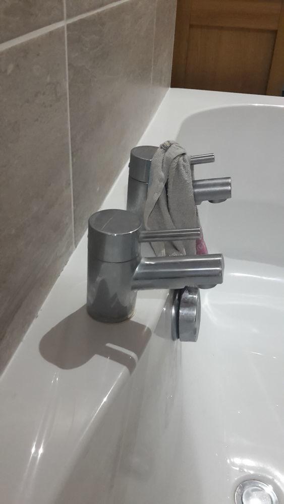 Tap/Pipe leak under bath - Plumbing job in Glasgow, Lanarkshire ...