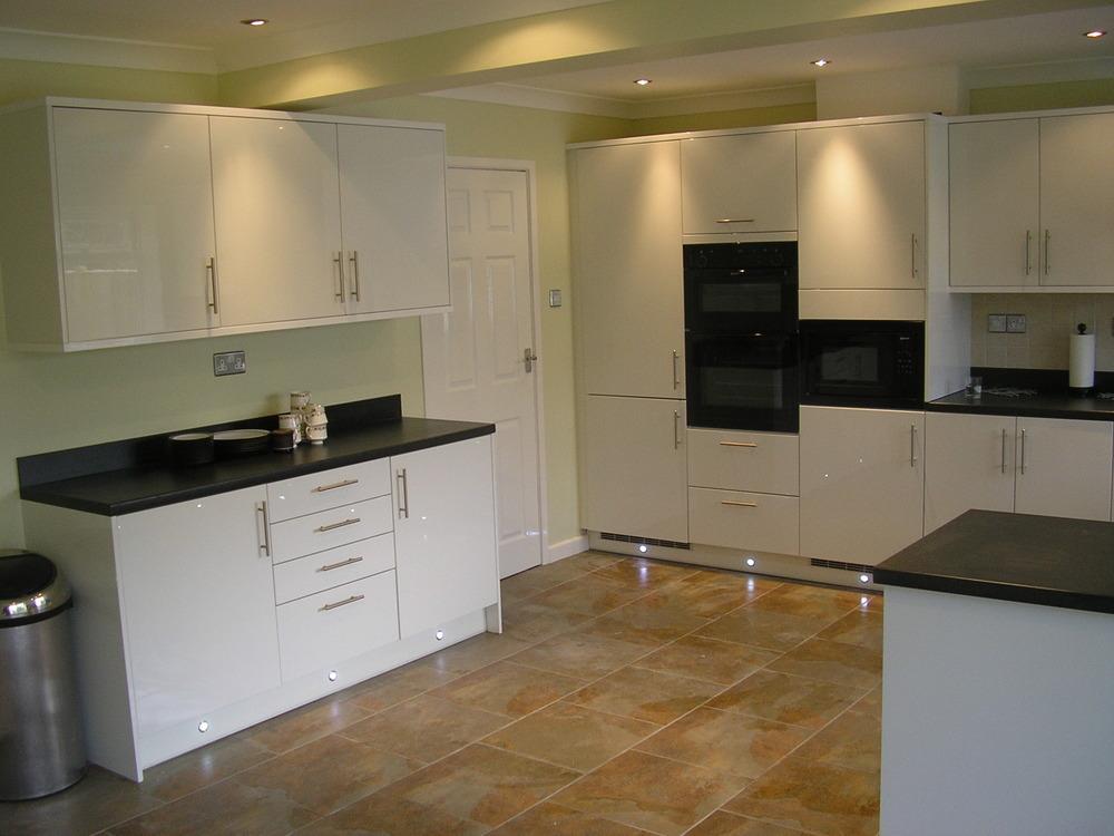 Ay Installations 97 Feedback Kitchen Fitter Bathroom Fitter Carpenter Joiner In Brighton
