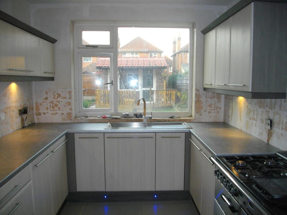 drew design 100 feedback kitchen fitter tiler in nottingham