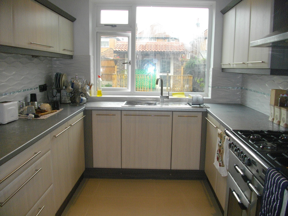 fully fitted bespoke kitchen supplied designed planned installed