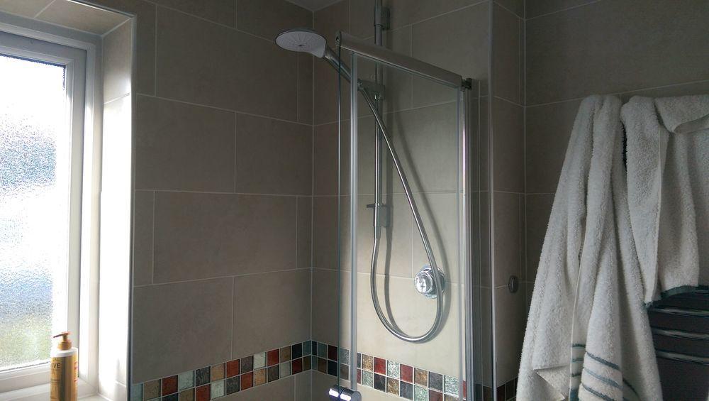 Vs 100 Feedback Bathroom Fitter Tiler In Ely