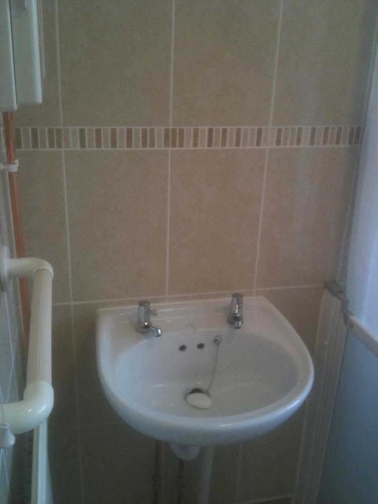 Aqua solutions team 100 feedback bathroom fitter in for Bathroom builders leicester