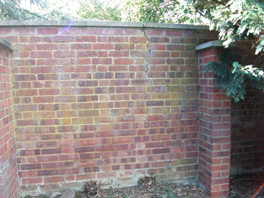 Repair Crack In Brick Garden Wall Bricklaying Job In