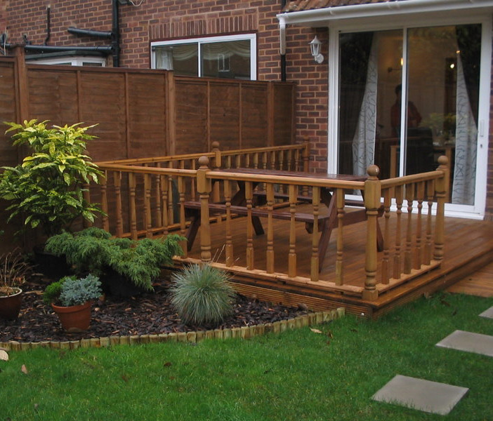 Barton fencing decking 100 feedback fencer in manchester for Garden decking ideas uk