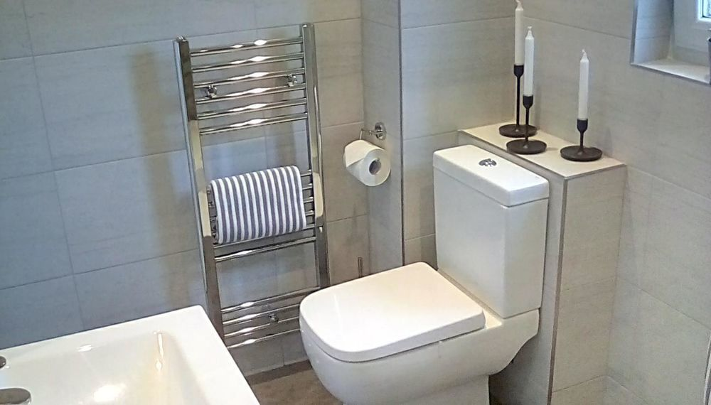 Bathroom Fitters Glasgow >> Polish Bathroom Specialist 100 Feedback Bathroom Fitter