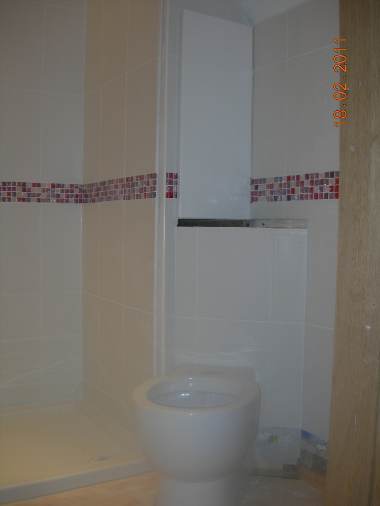 Arundel tiling services 100 feedback tiler in arundel White border tiles bathrooms