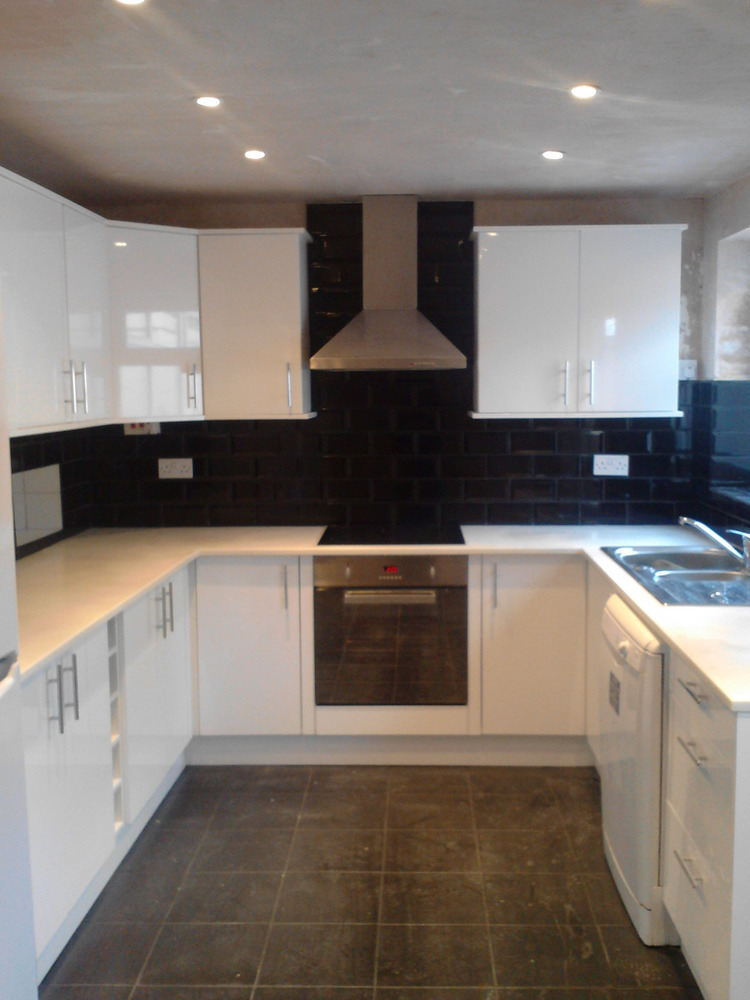 Drew Design 100 Feedback Kitchen Fitter In Nottingham