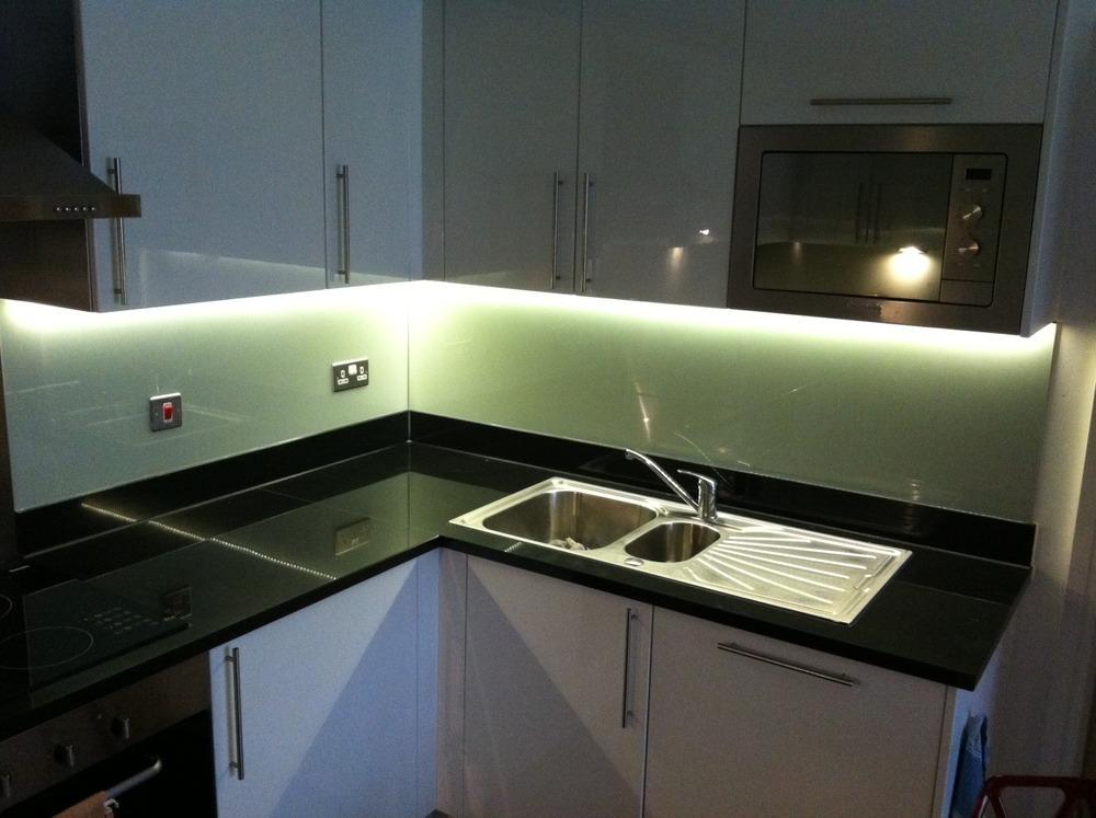 Kluk construction ltd 97 feedback handyman in london for Cucina light
