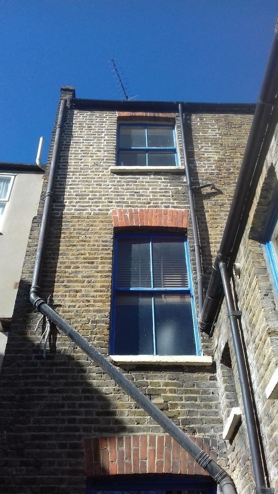 Findon Building Company: 100% Feedback, Bricklayer, Repointing