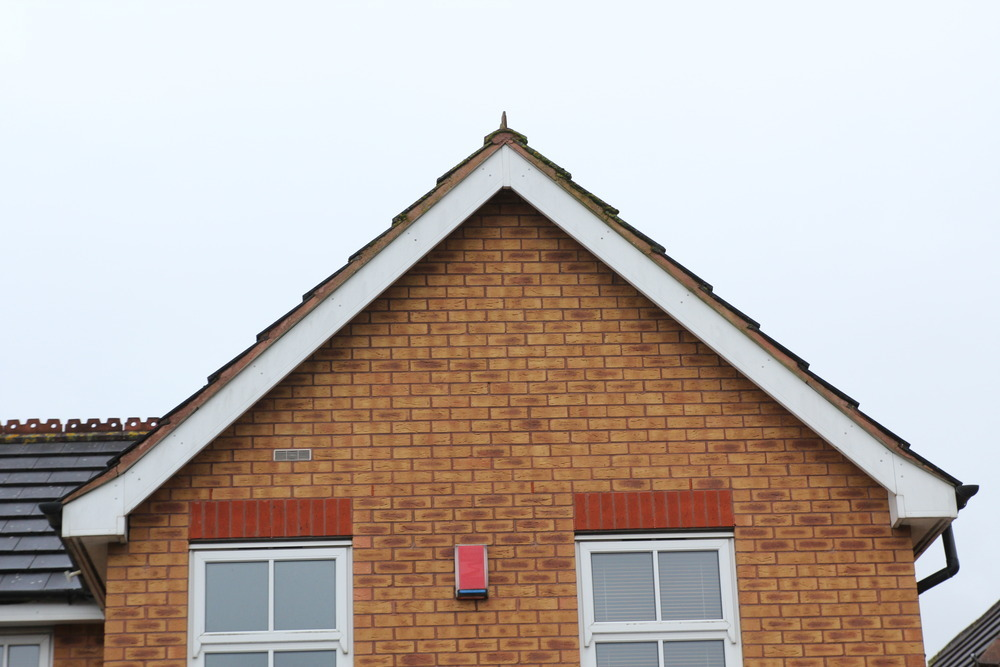 Roof Verge Mortar Cracked And Crumbling Roofing Job In