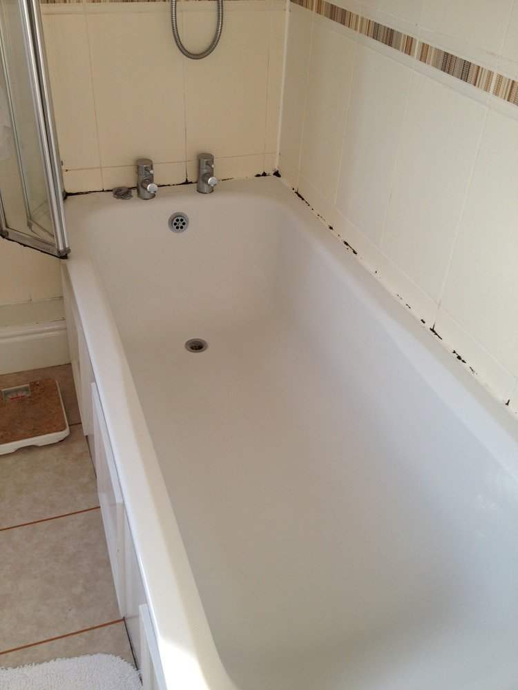 Replace Shower Screen And Re Seal Bath Handyman Job In